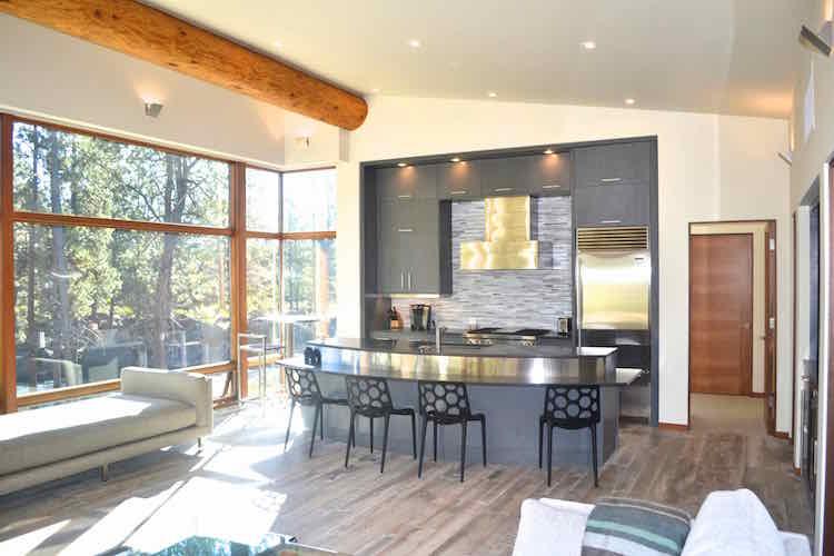 modern river cabin architect