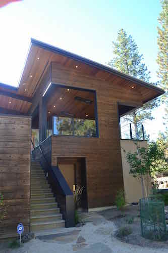 Central Oregon Modern cabin design