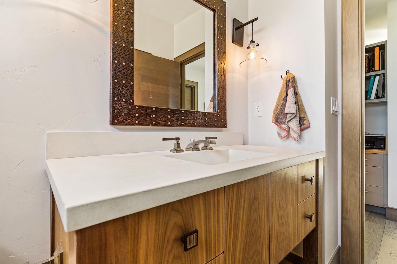 Oregon Modern Design powder bath