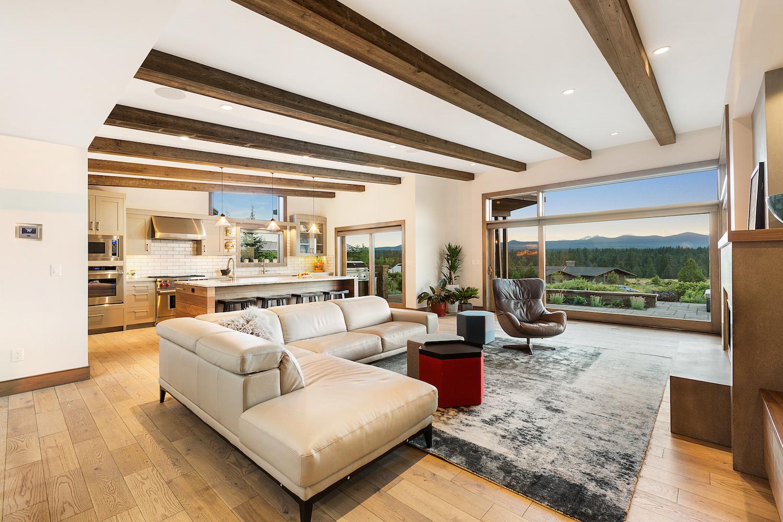 Oregon Modern Design great room
