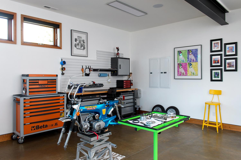workshop motorcycle