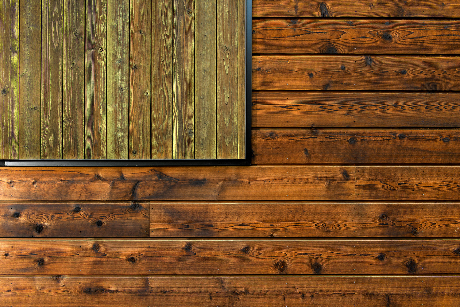 hewn siding reclaimed cedar