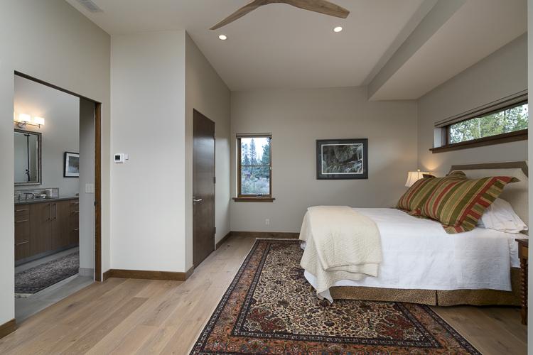 guest bedroom central oregon